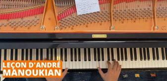 André Manoukian sur son piano
